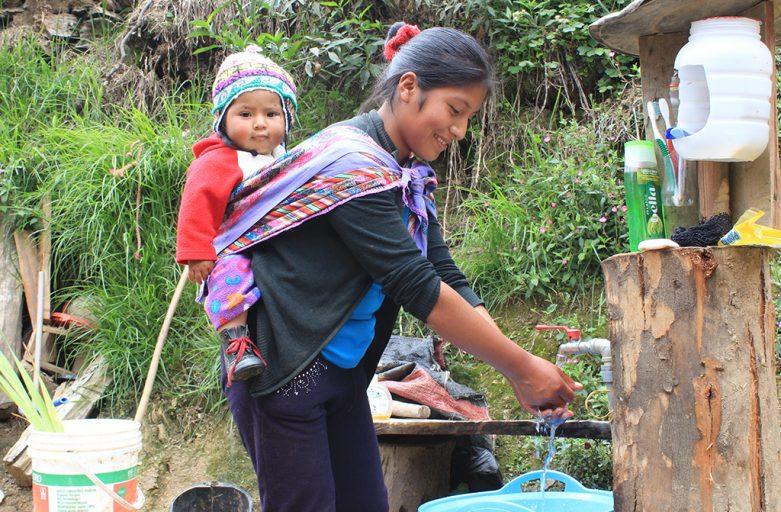 Las familias de Huallhua ya tienen agua en sus casas
