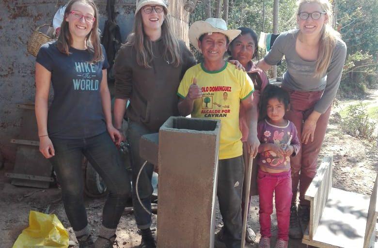 Filtros de Bioarena en San José de Ushpas gracias a HUMASOL e ISLAS DE PAZ PERÚ
